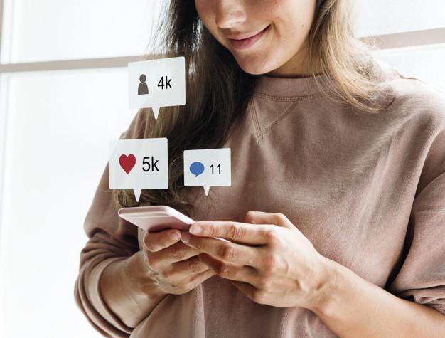 https://anilabashllari.com/wp-content/uploads/2019/07/woman-using-smartphone-social-media-conecpt_53876-40967.jpg